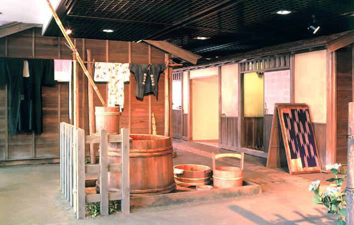 フロアガイド2F展示室_長屋